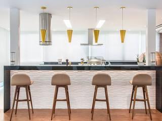 RESIDENCIA FAMILIAR SÃO CONRADO RJ AR Arquitetura & Interiores Cocinas modernas
