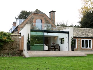 The Garden Room House IQ Glass UK Modern houses Glass Transparent