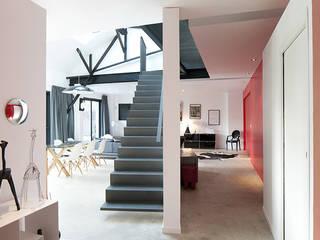 Hành lang, sảnh & cầu thang phong cách công nghiệp bởi ATELIER L2 Công nghiệp