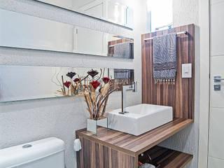 Casa 26: Banheiros  por Patrícia Azoni Arquitetura + Arte & Design,Moderno