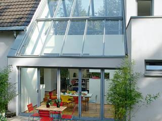 Giardino d'inverno in stile  di Elkin + Brombach Architekten