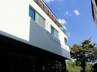GN건축사사무소 Rumah Modern