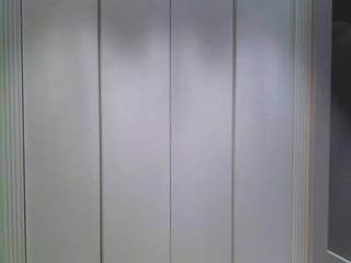 Zona ingresso: Ingresso & Corridoio in stile  di Valeria Fusco