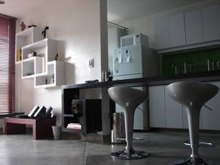 Casas estilo moderno: ideas, arquitectura e imágenes de Heritage Design Group Moderno