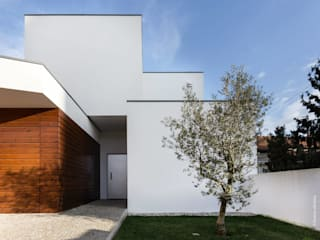 house 116 bo | bruno oliveira, arquitectura Modern houses Wood White