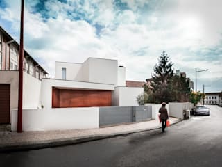 house 116 bo | bruno oliveira, arquitectura Modern houses Solid Wood White