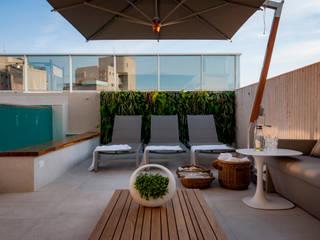 Wall Plant Mediterranean style balcony, porch & terrace
