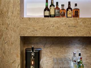 Beerplace SJM: Bares e clubes  por ad+r Creative Studio,Moderno
