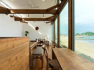Air Living® &Shutter Garage 空と海な家: フォーレストデザイン一級建築士事務所が手掛けたアジア人です。,和風
