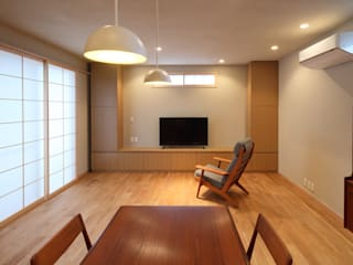 AS HOUSE: 日菜設計室 HINA ARCHITECTSが手掛けたリビングです。,