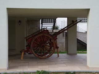 Realizzazione villa monofamiliare sulle sponde del Lambro: Terrazza in stile  di STUDIO TECNICO fAVARATO
