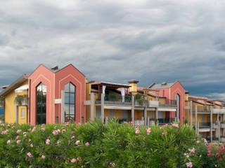 Residence Vista Lago: Case in stile  di Studio d'architettura associato f.g.i. Visconti