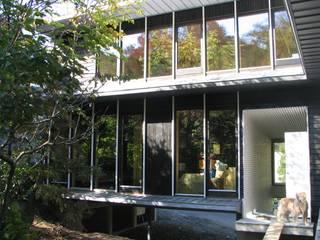 南側外観: ホリゾン アーキテクツが手掛けた家です。