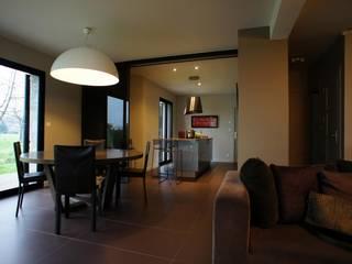 Exemples de realisations: Salle à manger de style  par Monts-et-merveilles
