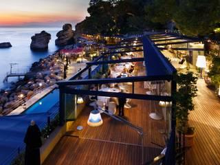 Struttura per Esterno Gibus - Hotel Capo la Gala: Giardino in stile  di Home Interni d'Arte
