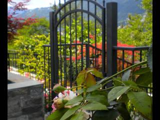 Ingresso giardino - Villa sul Lago di Como: Giardino in stile in stile Moderno di Formarredo Due