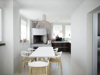 Mini Attico marino Sala da pranzo moderna di Euga Design Studio Moderno