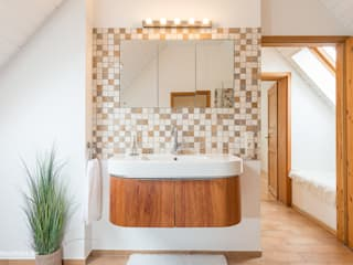 mediterranean Bathroom by Immotionelles