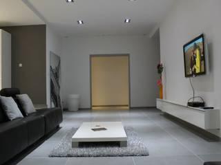 Appartement Salon moderne par Atrmosphere Agencement Moderne