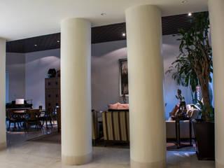 Corridor & hallway by CH Proyectos