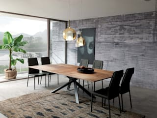 Ozzio Esstisch 4x4 bietet Platz für bis zu 12 Personen: moderne Esszimmer von Livarea