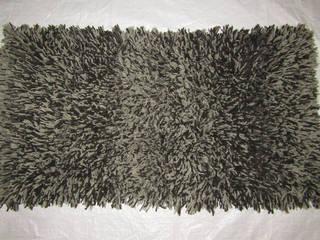 Tapetes de Pasto Grueso:  de estilo  por Tapetes Gualupita