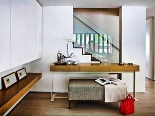 Modern Corridor, Hallway and Staircase by ESPACEA Modern