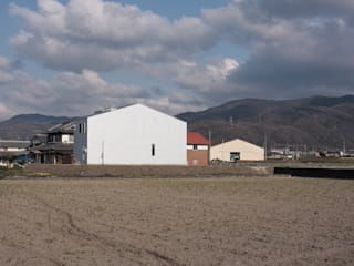 Casas minimalistas por 藤井直也デザイン事務所 Minimalista