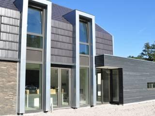 Moderne woning Oxhoofpad Moderne huizen van Nico Dekker Ontwerp & Bouwkunde Modern