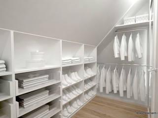 Walk in closets de estilo escandinavo de Komplementi Escandinavo