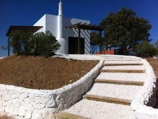 VIVIENDA DE FIN DE SEMANA: Casas de estilo  de Oficina de Arquitectura 110