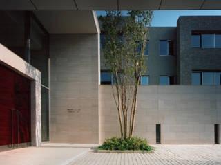 施行事例2 モダンな 家 の 株式会社 北川原環境建築設計事務所 モダン