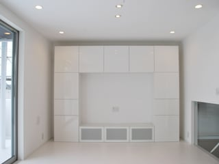 美しが丘二丁目ハウス Salas de estar modernas por nakajima Moderno