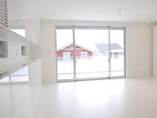 美しが丘二丁目ハウス Janelas e portas modernas por nakajima Moderno