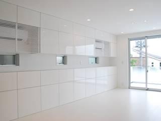 美しが丘二丁目ハウス Moderne Wohnzimmer von nakajima Modern