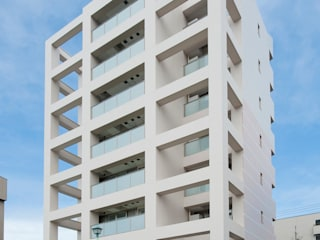 シャンドール小堀 Casas modernas por nakajima Moderno