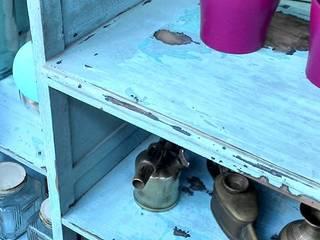 Muebles eran los de antes - Buenos Aires KitchenCabinets & shelves Solid Wood Turquoise