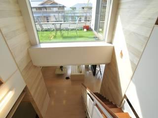 現代風玄關、走廊與階梯 根據 一級建築士事務所ATELIER-LOCUS 現代風