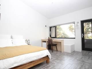 비로소 4´33´´ 게스트 하우스 모던스타일 침실 by 아키제주 건축사사무소 모던