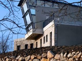 Maison individuelle: Maisons de style de style Moderne par SARL DIDIER ALLIBERT
