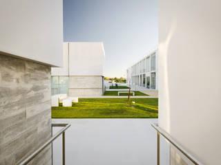 Elderly persons residence Casas mediterrânicas por guedes cruz arquitectos Mediterrânico