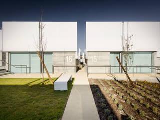 Vista Exterior: Casas  por guedes cruz arquitectos