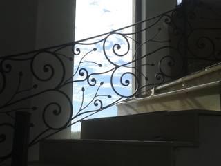Balcones y terrazas de estilo clásico de La Reja Clásico