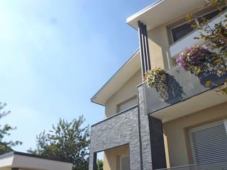 Balcon, Veranda & Terrasse modernes par Studio GIOLA | Casorezzo MI Moderne