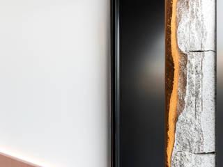 Nan Arquitectos บาร์และคลับ อลูมิเนียมและสังกะสี Black