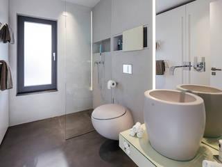 Lopez-Fotodesign Modern bathroom Grey