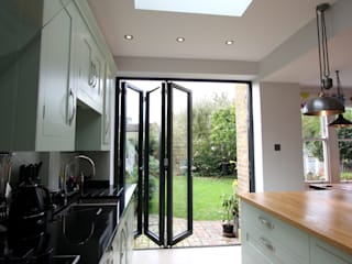 Woodwarde Road Modern windows & doors by IQ Glass UK Modern