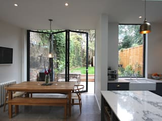 Hatcham Park Road Modern windows & doors by IQ Glass UK Modern