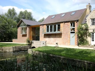 Cuddington Mill IQ Glass UK Modern windows & doors