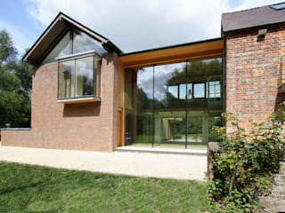 Cuddington Mill Modern windows & doors by IQ Glass UK Modern